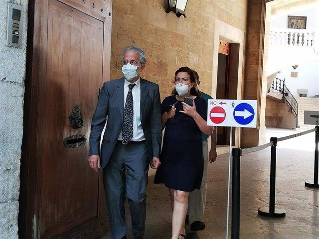 El magistrado Carlos Gómez, saliendo del TSJIB.
