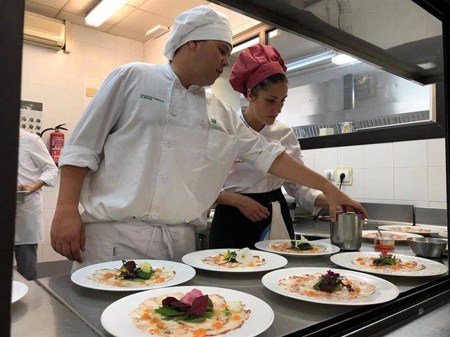 Escuela de hostelería restaurante La Cónsula Málaga cocina gastronomía formación