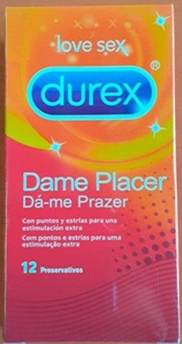 Envase falsificado de Durex con diferente color y errores tipográficos.