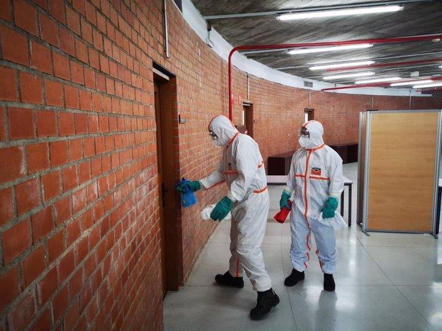 La Escuela Nacional de Protección Civil y Emergencias da formación para desinfección de edificios y residencias ante el COVID.