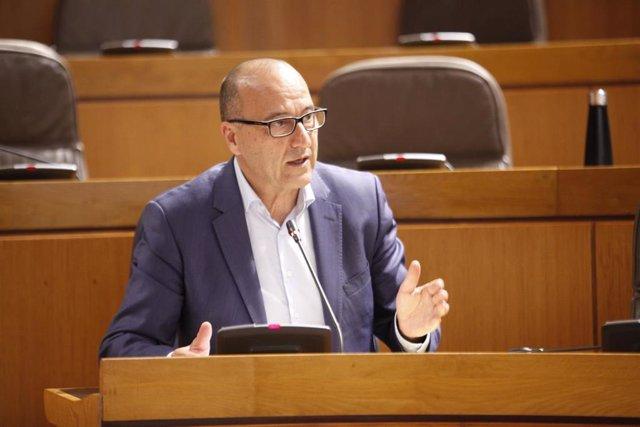 El consejero de Educación de Aragón, Felipe Faci.
