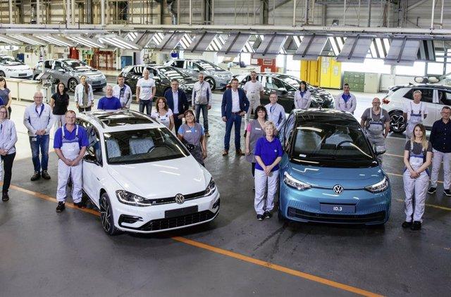 Imagen del último coche de combustión fabricado en la planta de Volkswagen de Zwickau (Alemania).