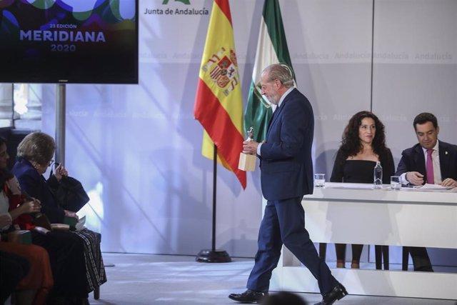 Fernando Rodríguez Villalobos en un acto institucional