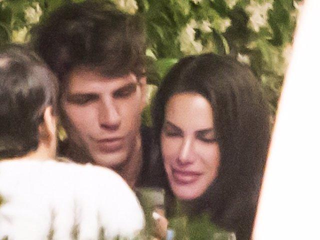 Carla Barber y Diego Matamoros durante una cena con amigos