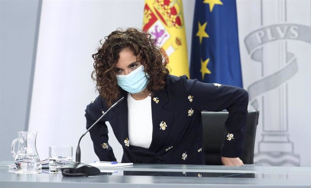 La ministra portavoz y de Hacienda, María Jesús Montero, a su llegada a la rueda de prensa tras la celebración de un Consejo de Ministros extraordinario, en Moncloa, Madrid (España), a 26 de junio de 2020.