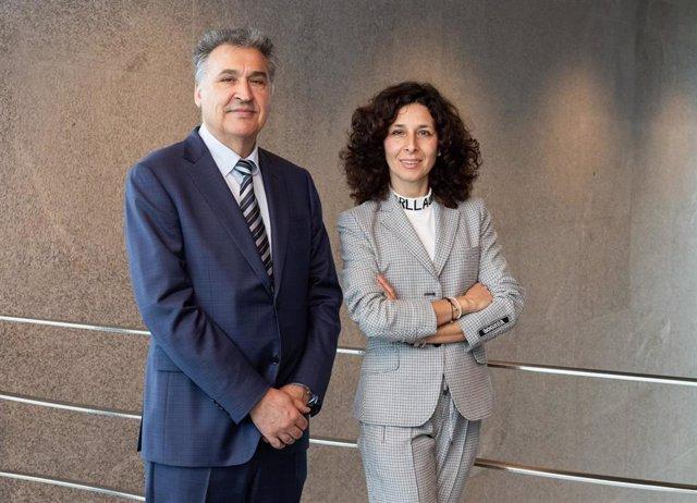 Juan Miguel Martínez Gabaldón y Lourdes Gullón