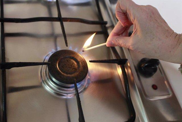 Gas, cocina de gas, llamas, llama,  fuego, fogón, fogones, gas natural, cerilla, cerillas
