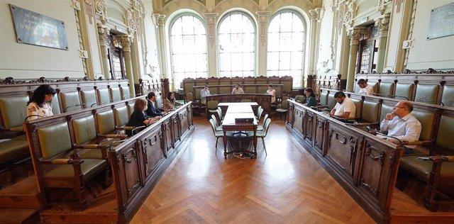 Reunión del Grupo de Trabajo del COVID-19 en el Ayuntamiento de Valladolid.