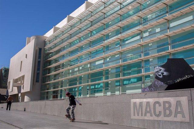 Plaza del Museo de Arte Contemporáneo de Barcelona (archivo)