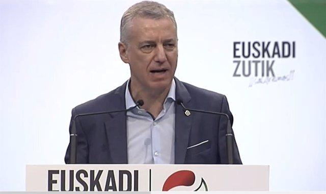 El candidat a la reelecció pel PNB, Iñigo Urkullu,  durant un acte de campanya a Bilbao