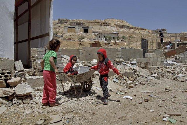 Niños refugiados sirios en Líbano