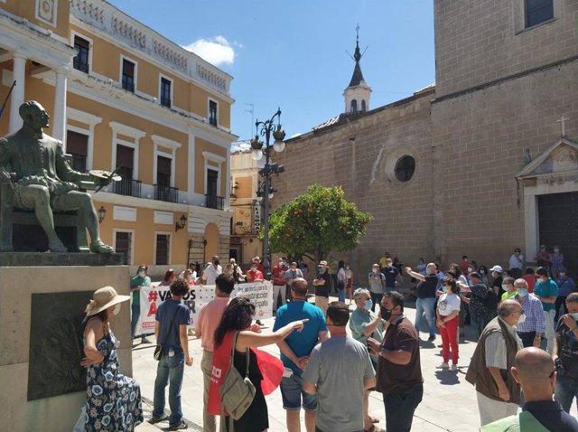 Concentración en Badajoz para exigir responsabilidad a los políticos