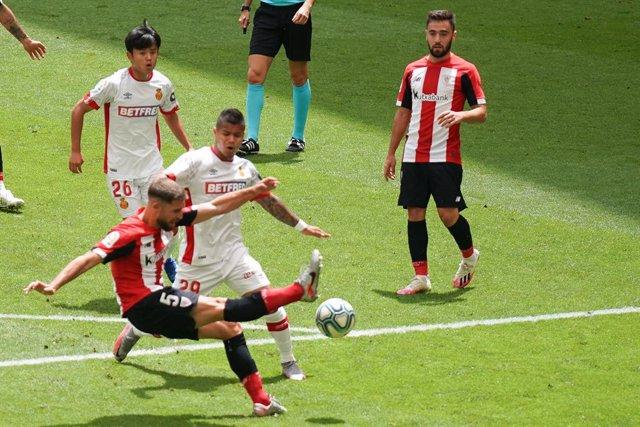 AMP.- Fútbol/Primera.- (Crónica) El Athletic sigue soñando con Europa y Osasuna