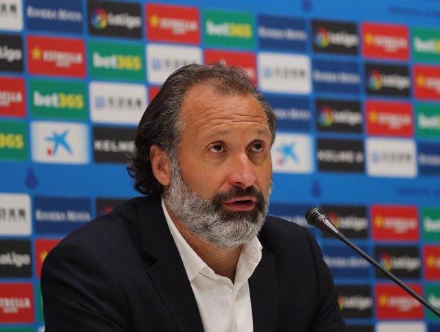 El director de fútbol profesional del RCD Espanyol, Rufete, en rueda de prensa