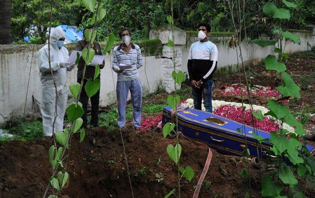 Coronavirus.- India supera los 20.000 contagios en un día y el umbral de los 16.