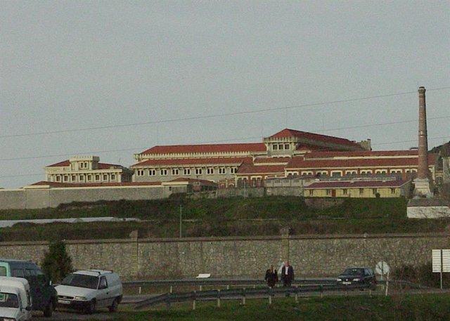 """Exterior del penal """"El Dueso"""", situado en Santoña."""
