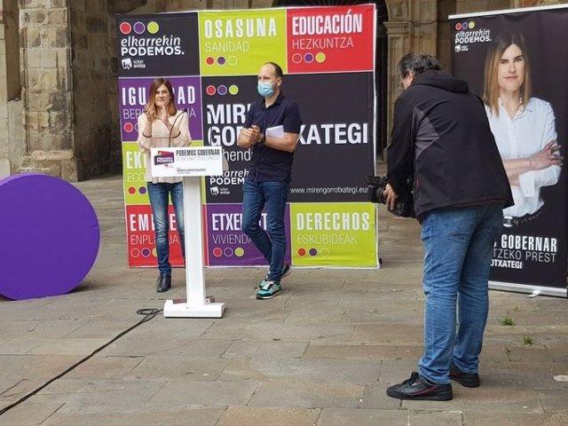 Acto de Elkarrekin Podemos-IU en Durango