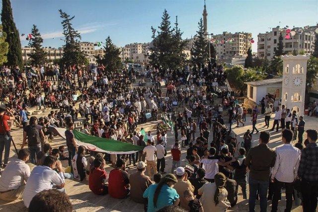 Manifestación contra el Gobierno de Siria en Idlib