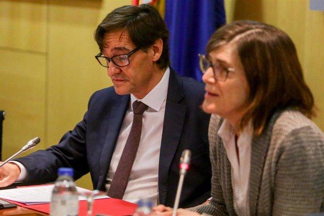 El ministro de Sanidad, Salvador Illa y la directora deneral de Salud Pública, Calidad e Innovación, Pilar Aparicio en enero de 2020