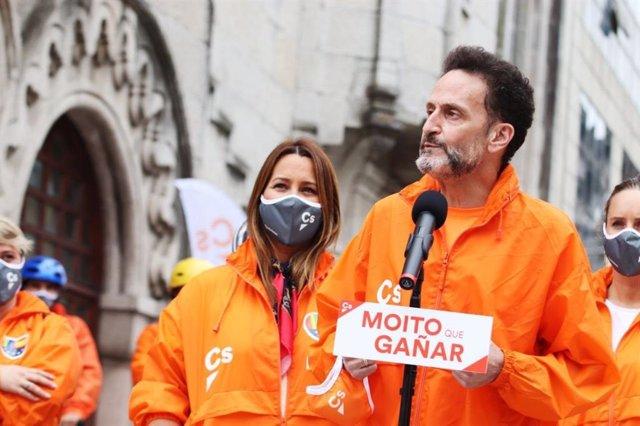 El portavoz adjunto de Ciudadanos en el Congreso, Edmundo Bal, junto a la candidata de Ciudadanos a la Xunta, Beatriz Pino, en O Porriño (Pontevedra).