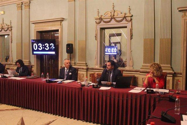 Celebración de un Pleno del Ayuntamiento de Huelva