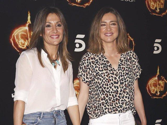 Nagore Robles y Sandra Barneda posando felices en una fiesta de Mediaset meses antes de terminar su relación