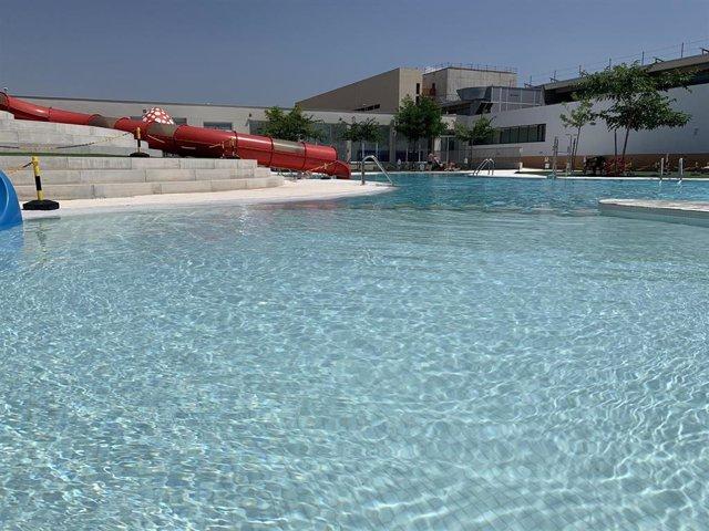 Alberic cierra su piscina de verano tras defecar involuntariamente un niño