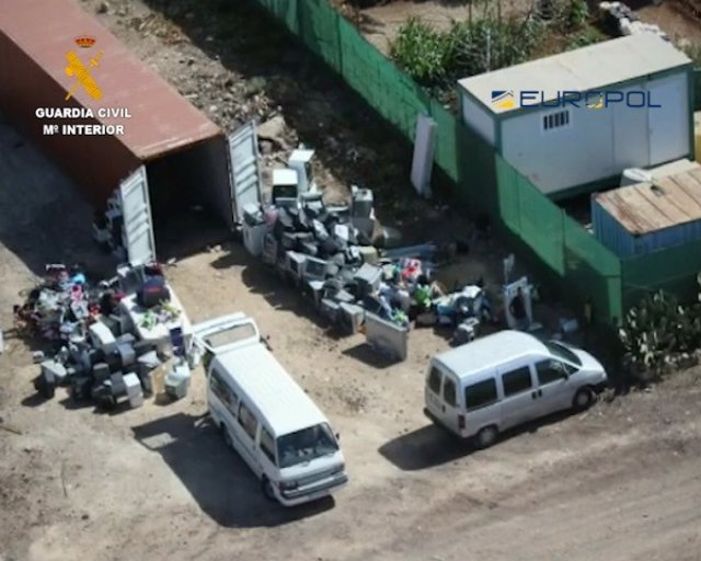 Residuos de aparatos electrónicos que se enviaban desde Tenerife a África para su reventa posterior