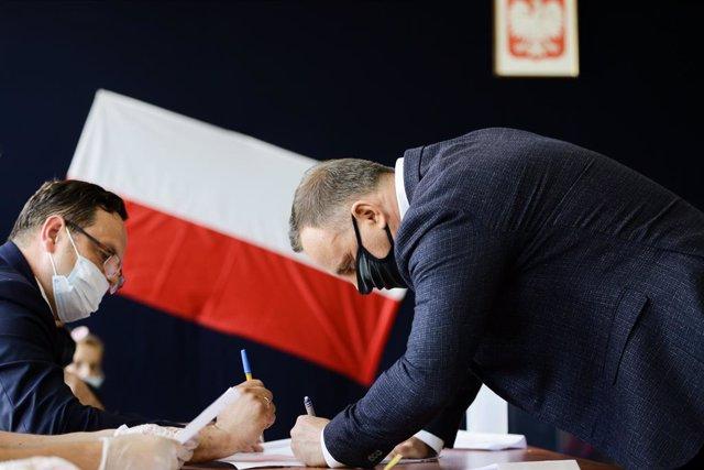 Polonia.- Los resultados oficiales confirman la segunda vuelta en las elecciones
