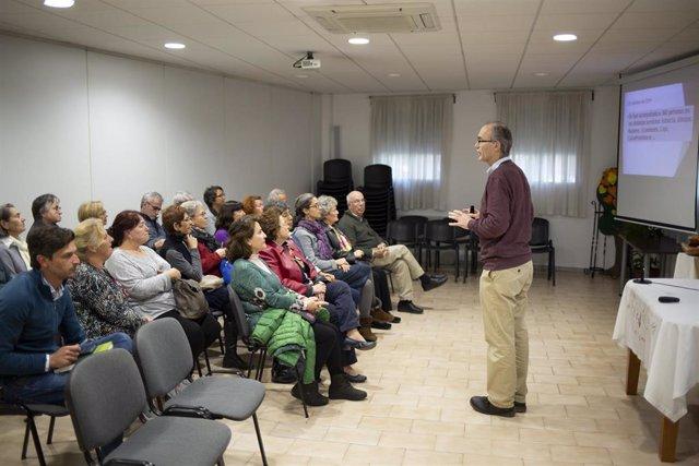 Encuentro de socios y colaboradores de la Asociación Almanjáyar en Familia, en imagen de archivo