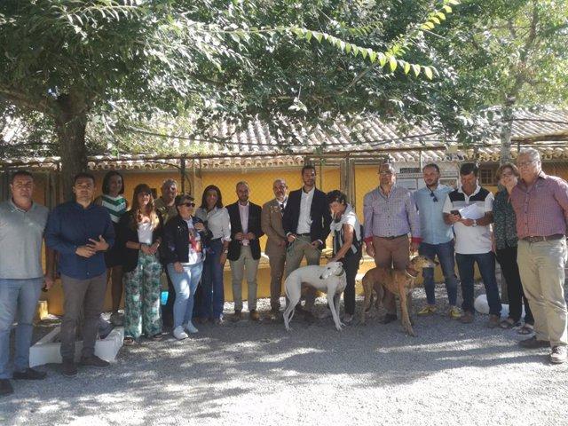Visita en el centro de animales en Villamartín