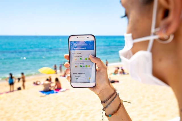 L'AMB mostra en temps real l'ocupació de les platges metropolitanes