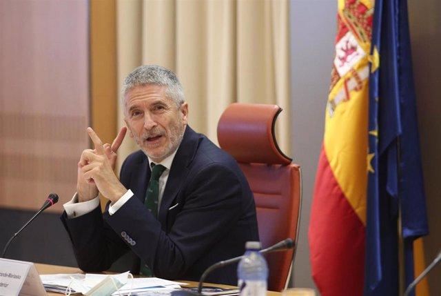 El ministro del Interior, Fernando Grande-Marlaska, presenta la nueva campaña divulgativa y el dispositivo especial de tráfico que la DGT ha preparado para atender los desplazamientos por carretera durante este verano ante la nueva normalidad, en Madrid