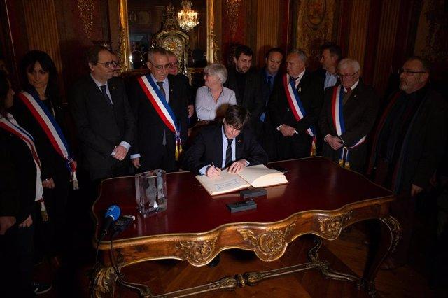El expresidente de la Generalitat de Cataluña Carles Puigdemont durante  su visita a Perpignan (Francia) a 29 de febrero de 2020.