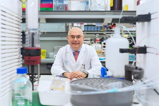 El director del Vall d'Hebron Institut de Oncología (VHIO) y jefe del Servicio de Oncología del Hospital Universitario Vall d'Hebron, Josep Tabernero, es el ganador del Premi de Recerca 2019 de la Generalitat de Catalunya