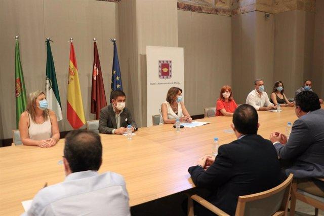 Susana Díaz reunida con el sector turístico de Jaén.