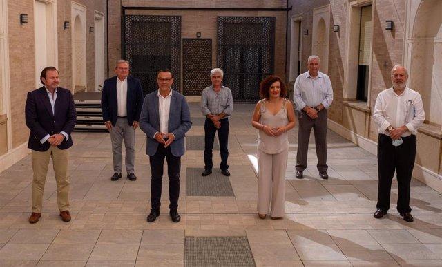La Diputación de Huelva firma un convenio de colaboración con las principales asociaciones del sector agroalimentario de la provincia de Huelva.