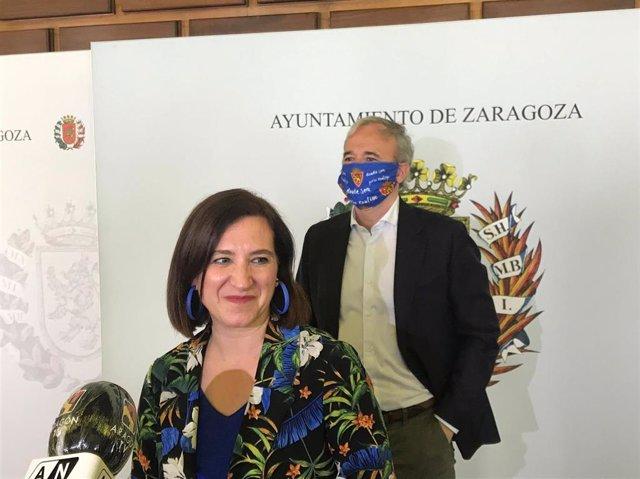 El alcalde de Zaragoza, Jorge Azcón, y la vicealcaldesa, Sara Fernández