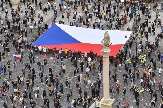 Protesta contra la gestión del Gobierno checo en Praga