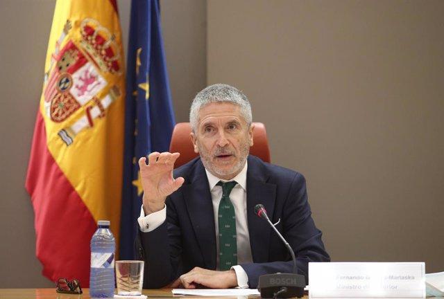El ministro del Interior, Fernando Grande-Marlaska, en la campaña divulgativa y el dispositivo especial de tráfico que la DGT ha preparado para atender los desplazamientos por carretera durante este verano ante la nueva normalidad, en Madrid