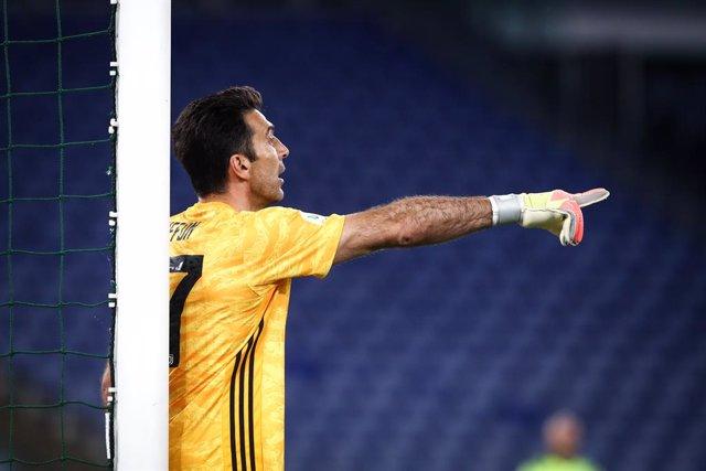 Fútbol.- La Juventus renueva un año más a los veteranos Buffon y Chiellini