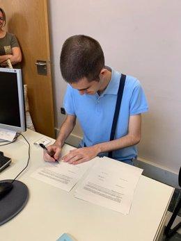 Andrés Romero, de Autismo Sevilla, entidad que ha valorado los resultados de su plataforma de empleo, que arroja como balance 12 contratos formalizados para personas con TEA