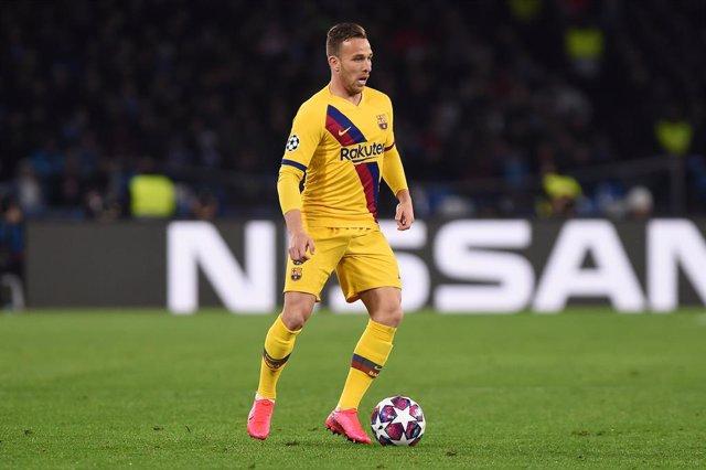 Fútbol.- El Barça vende a Arthur a la Juventus por 72 millones más 10 en variabl