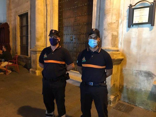 Miembros de Protección Civil de Sanlúcar de Barrameda