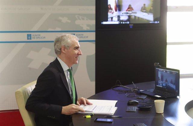 El conselleiro de Economía, Emprego e Industria, Francisco Conde, participa en la constitución de la mesa de la automoción