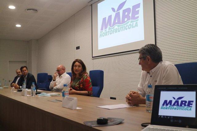 Crespo en la asamblea de Frutilados del Poniente, en El Ejido (Almería)