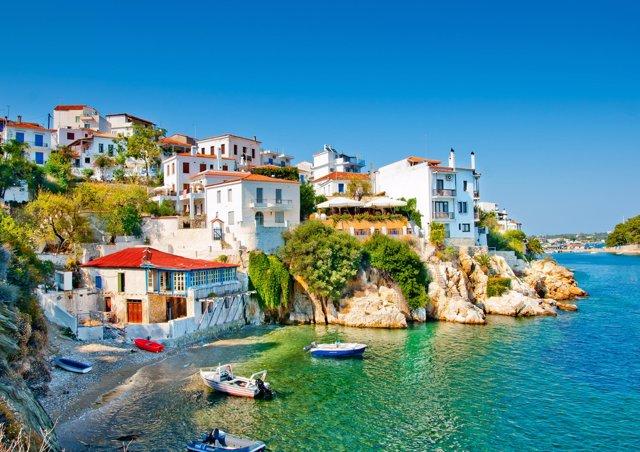 Coronavirus.- Grecia reabre cines y discotecas y prepara la vuelta del turismo d