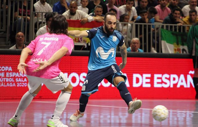 Ricardinho en una acción del Movistar Inter-Viña Albali Valdepeñas de la Copa España 2020 de fútbol sala