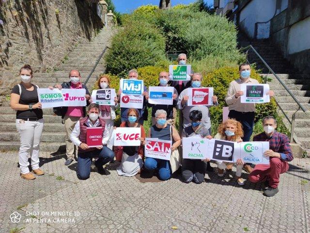 Unas 15 organizaciones entregan un manifiesto ante la Valedora para reclamar igualdad en los medios durante la campaña