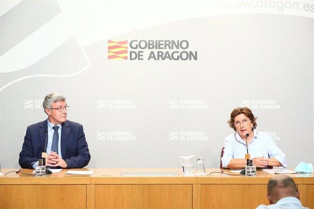 El gerente del IASS, Joaquín Santos, y la consejera de Ciudadanía y Derechos Sociales de Aragón, María Victoria Broto.
